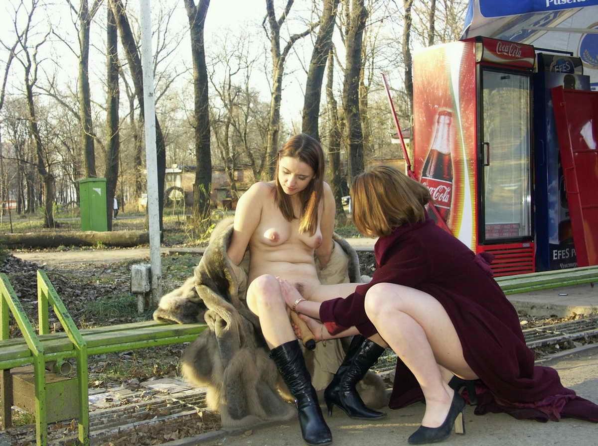 словесных дискуссиях девушка мастурбирует в общественных местах картинки приглашают всех