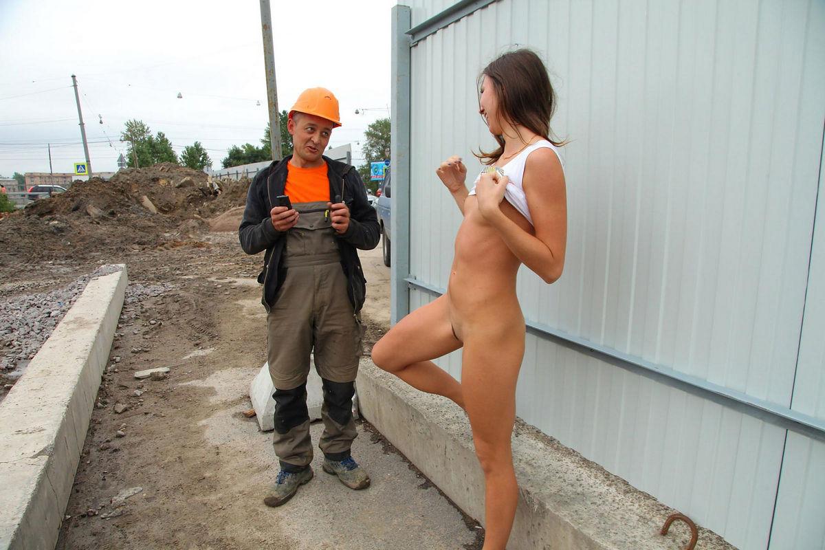 Фото голый строитель