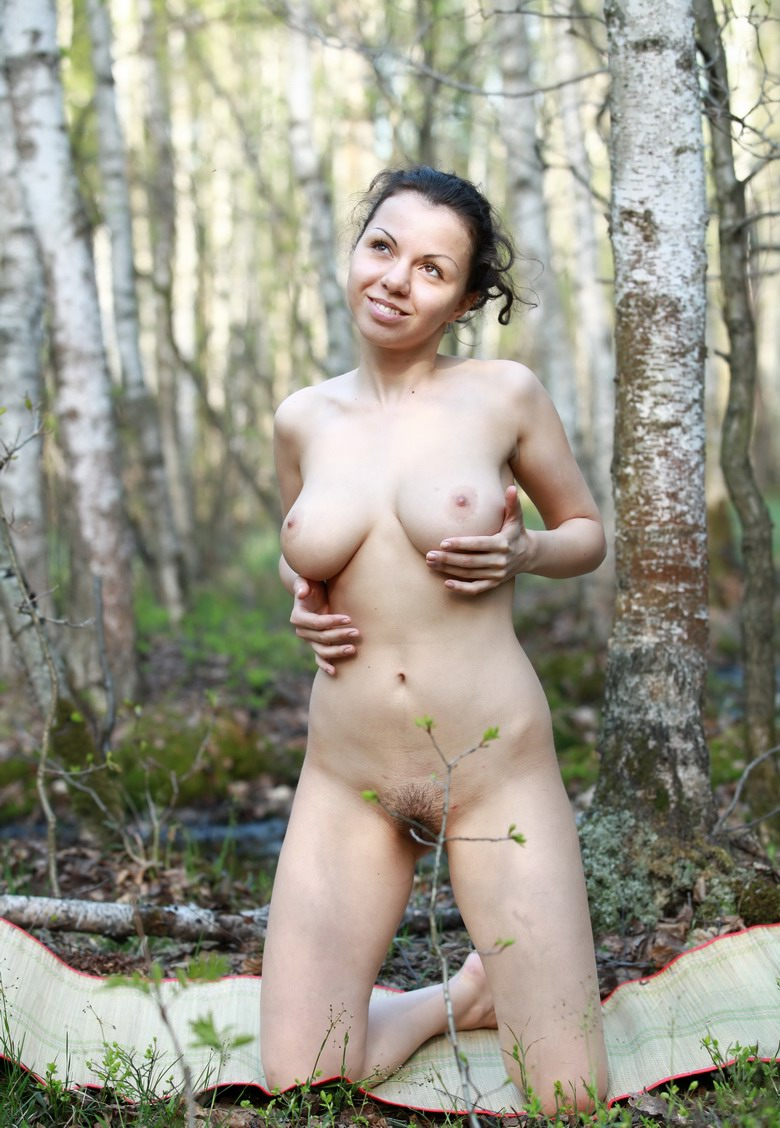 Hairy girl kristina shows how to enjoy her hairy pussy - 1 10