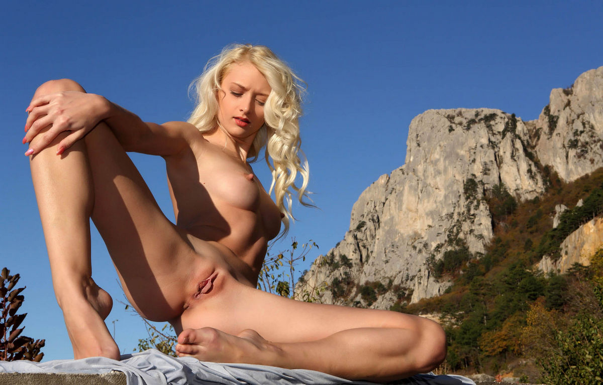 Smokey mountain busty blondes think, that