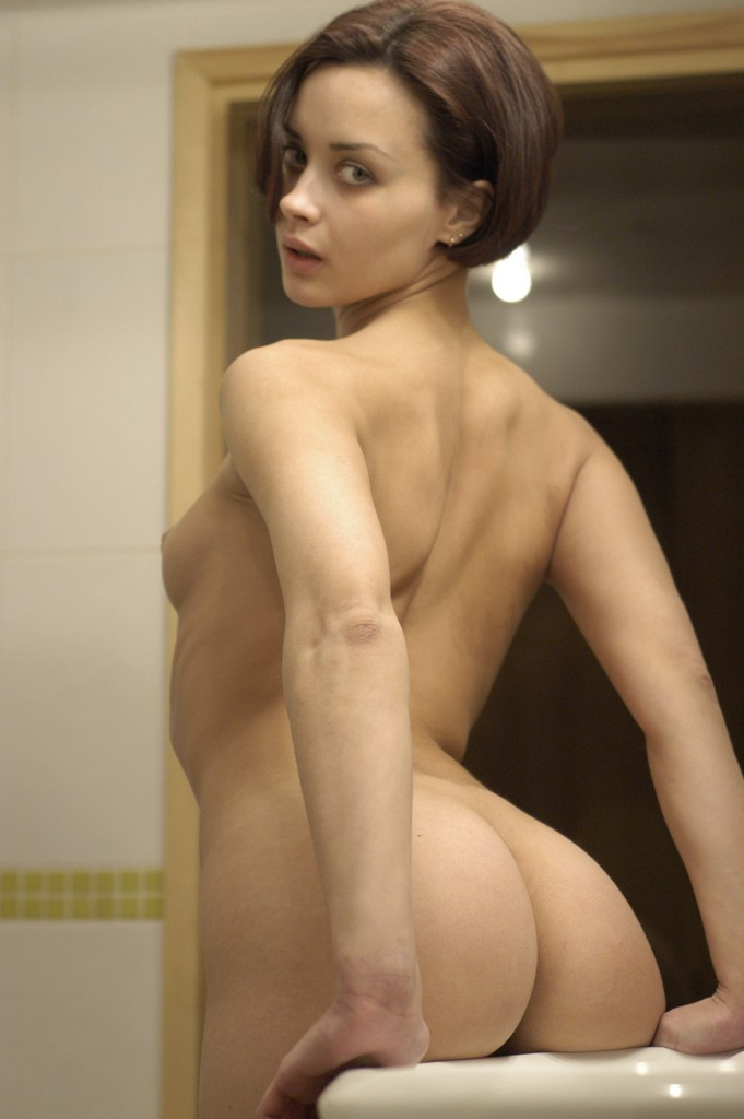 Short-Haired Dame With Great Ass At Bath  Russian Sexy Girls-8307