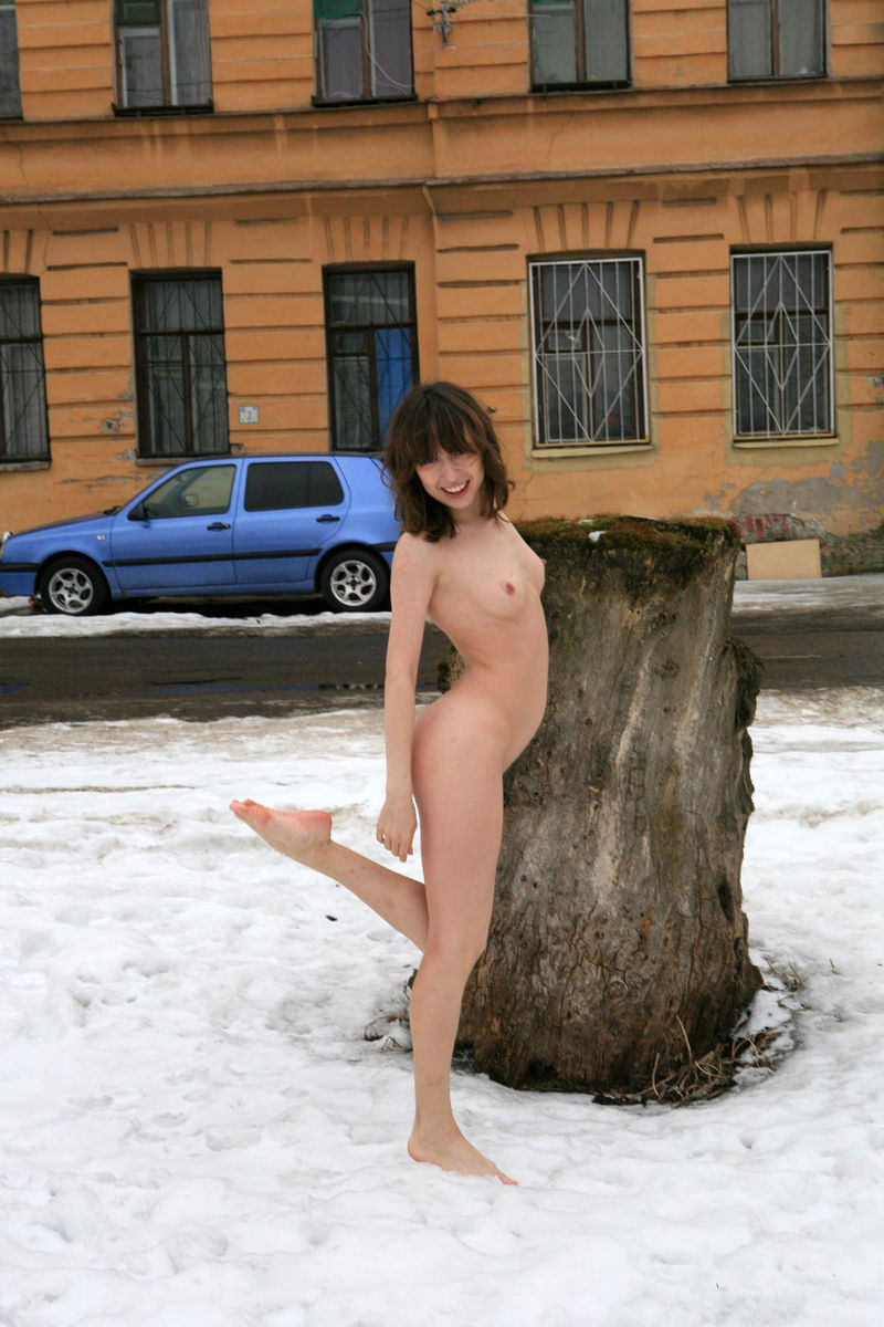 Winter Photoshoot Girl On The Stump  Russian Sexy Girls-8414
