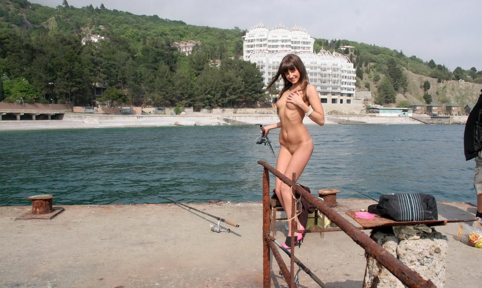 kendra sutherland naked