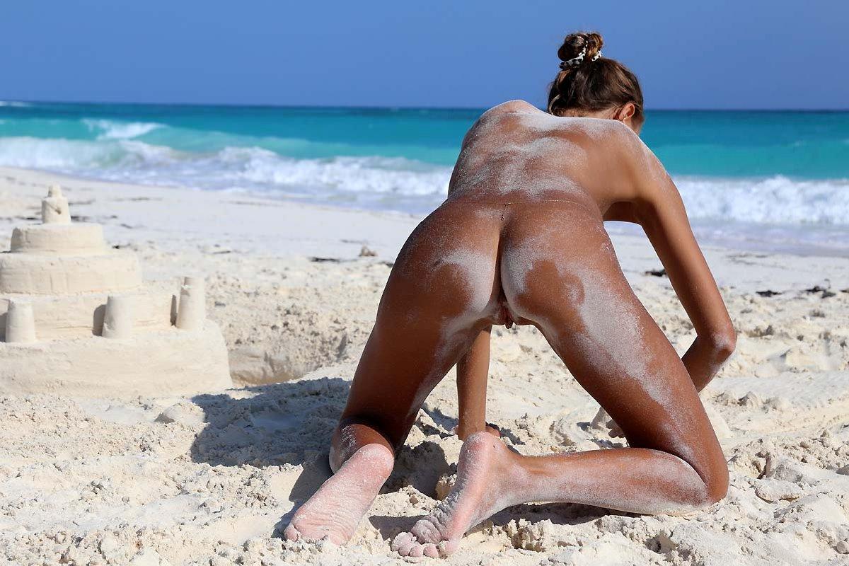 Пизда бразильская на пляже видео
