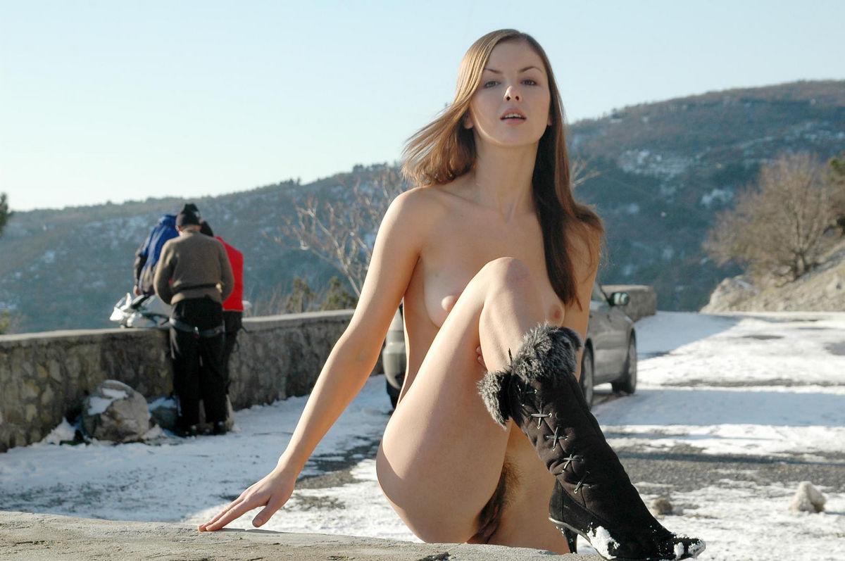 girl road nude video