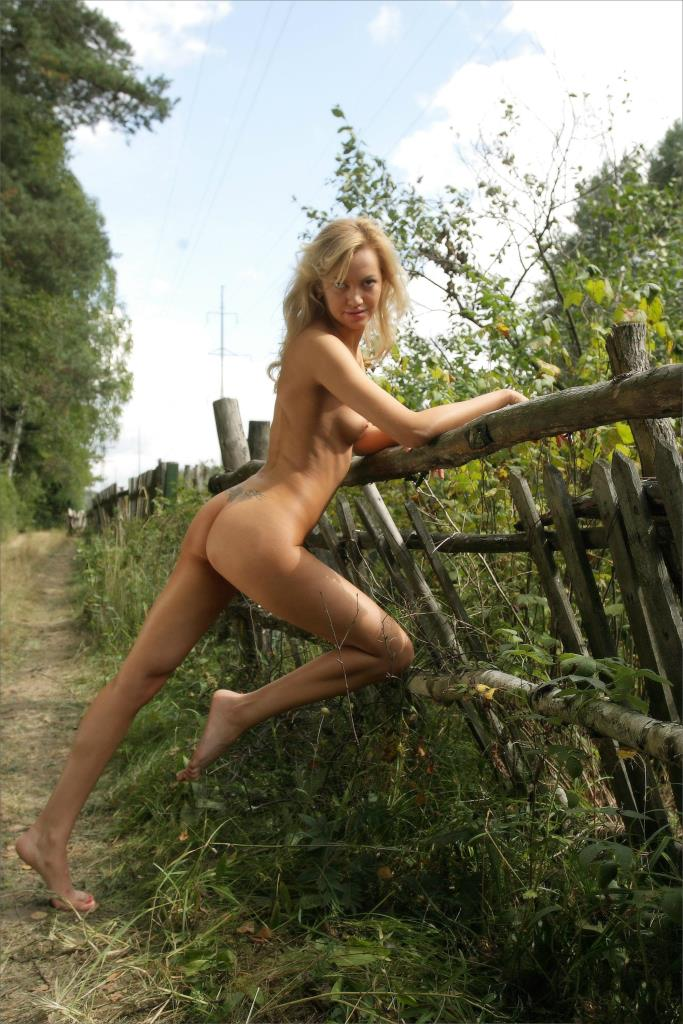 old country girls nude