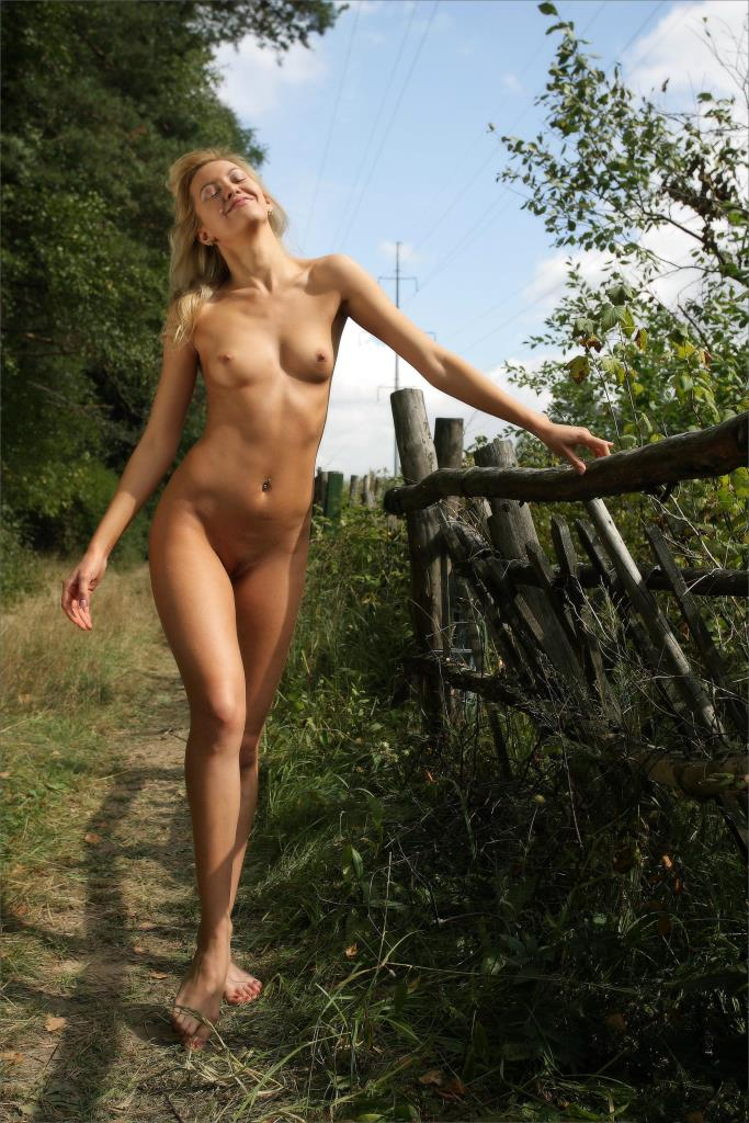 Question What Naked blonde russian chicks think, you