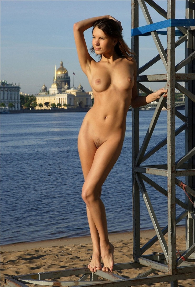 tall naked woman photos