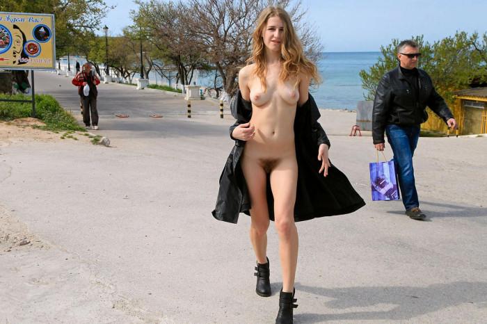 Naked women extream insertion