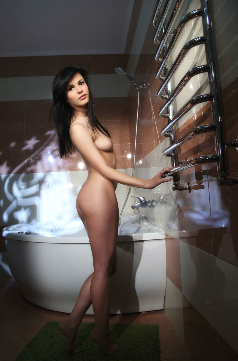 shaved girls bath