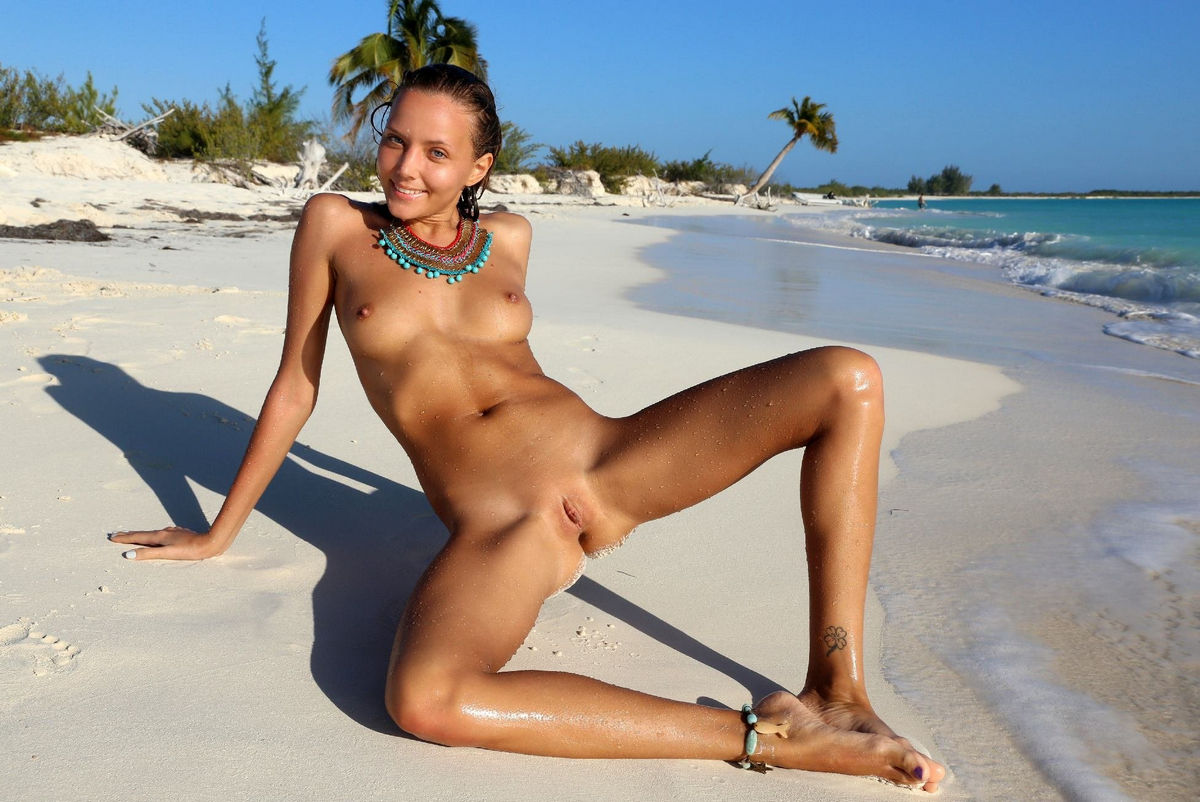 Sexy tan naked girls-6028