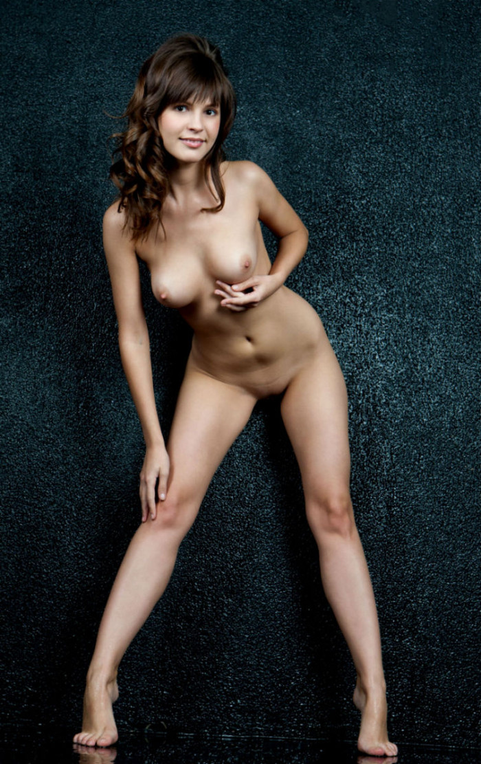 Girls naked in the house-9970