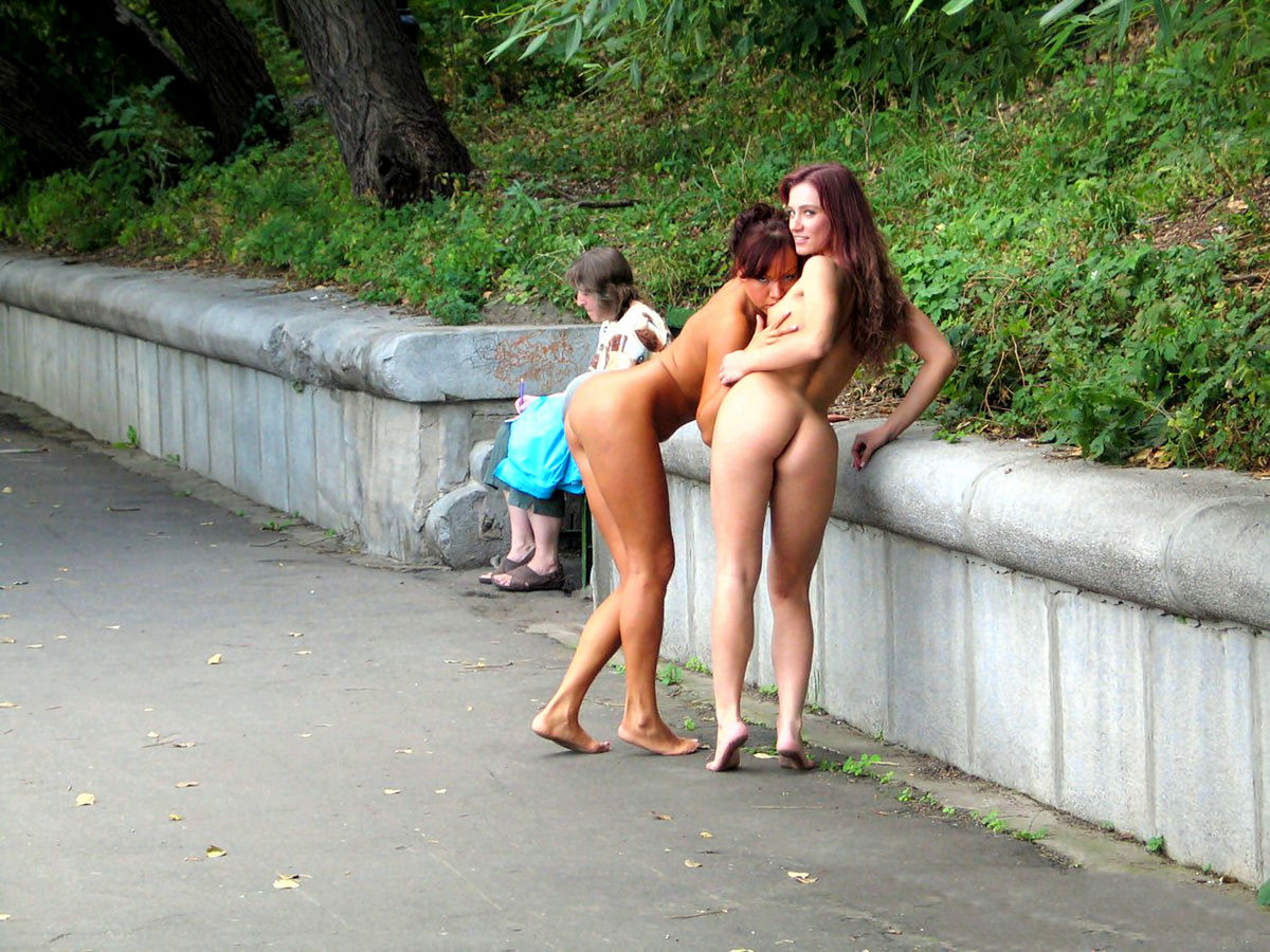 lesbians-busted-in-public