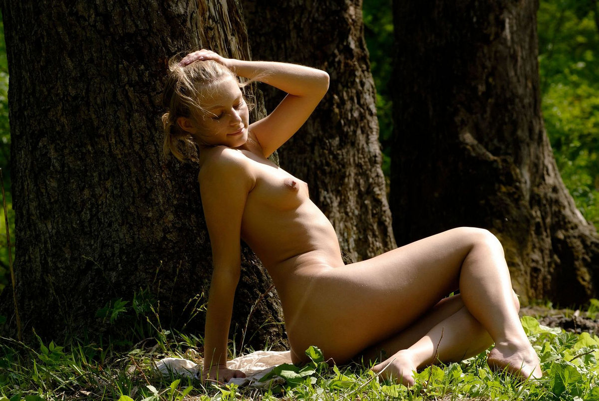 Very sweet blonde posing at green forest   Russian Sexy Girls