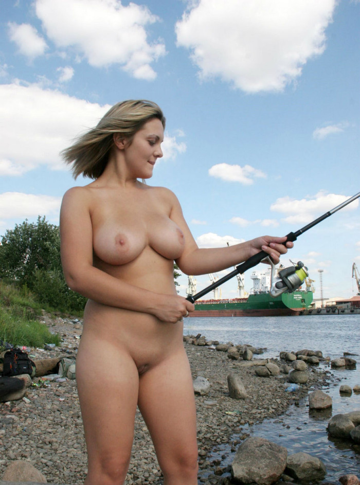 Vey Busty Blonde Goes Fishing Naked At City Pier  Russian -6675