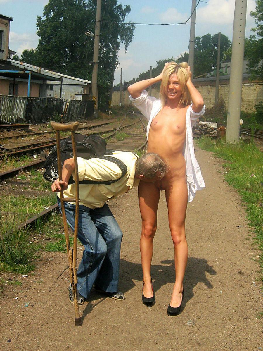Приятный секс на улице 12 фотография
