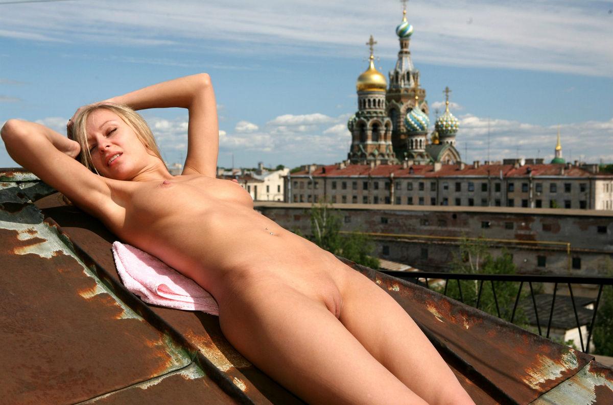 Моему мнению русское порно на крыше ничего