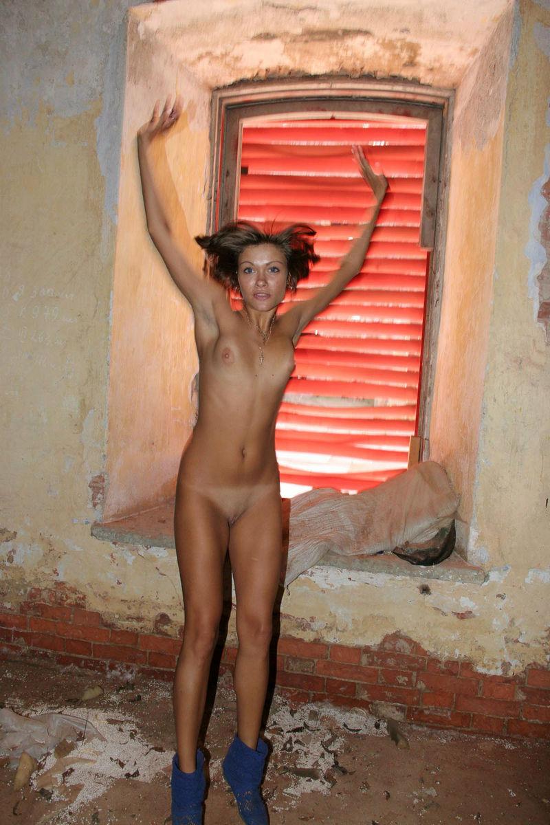 girls naked in bathtub with boy