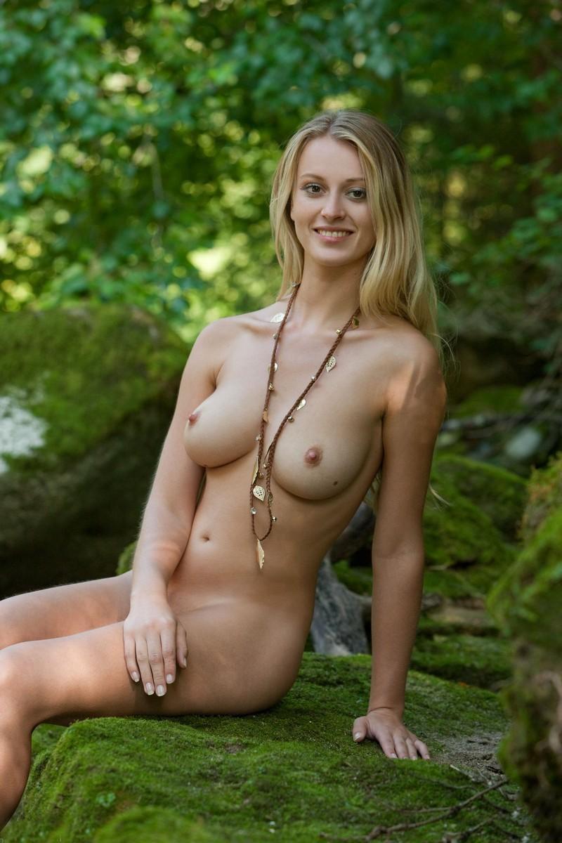 Dumb sluts nude pics