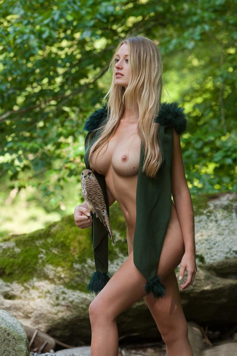 nude pics of hawk girl