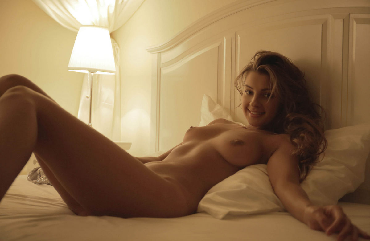 Beautiful Pictures Of Masha E Is Posing On A White Bed -7621