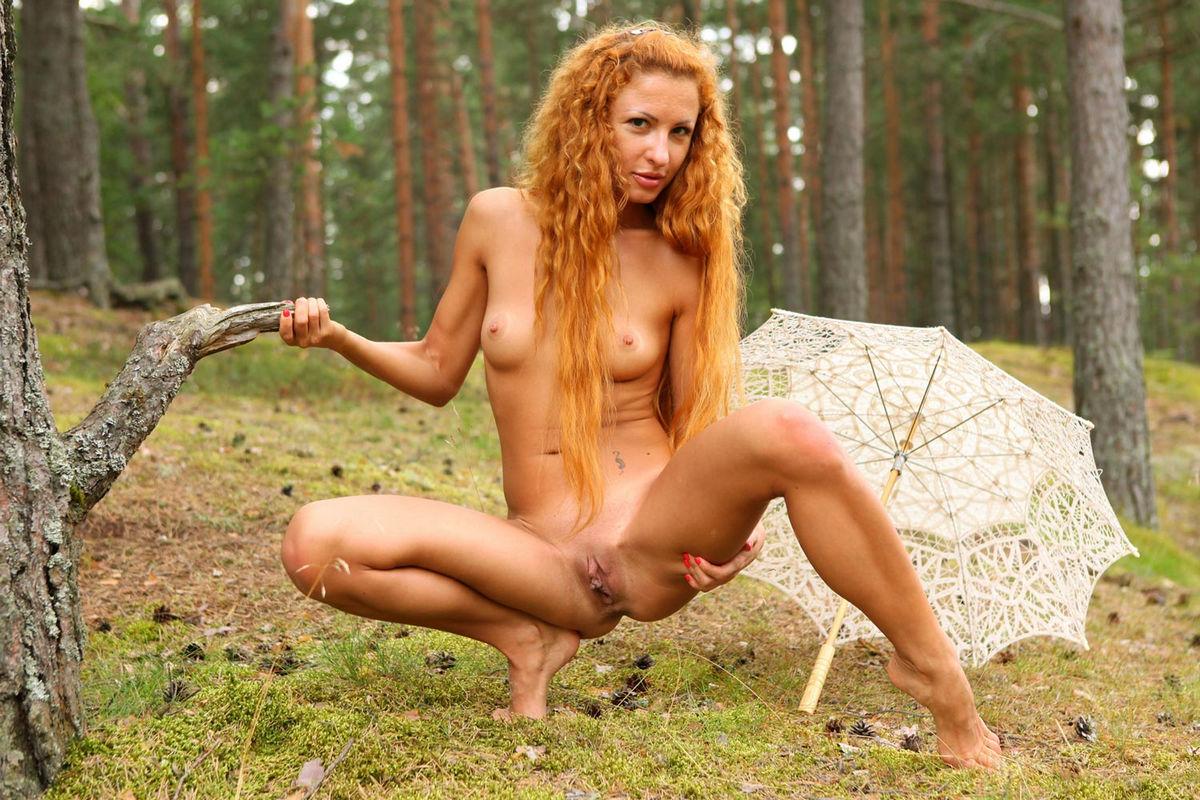 pale skin big tits girls nude