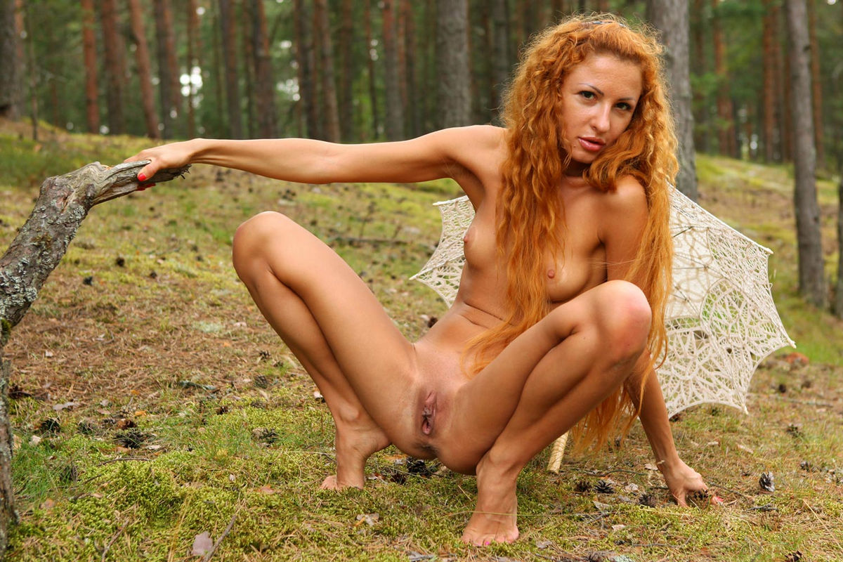 sexy naked women with curly hair