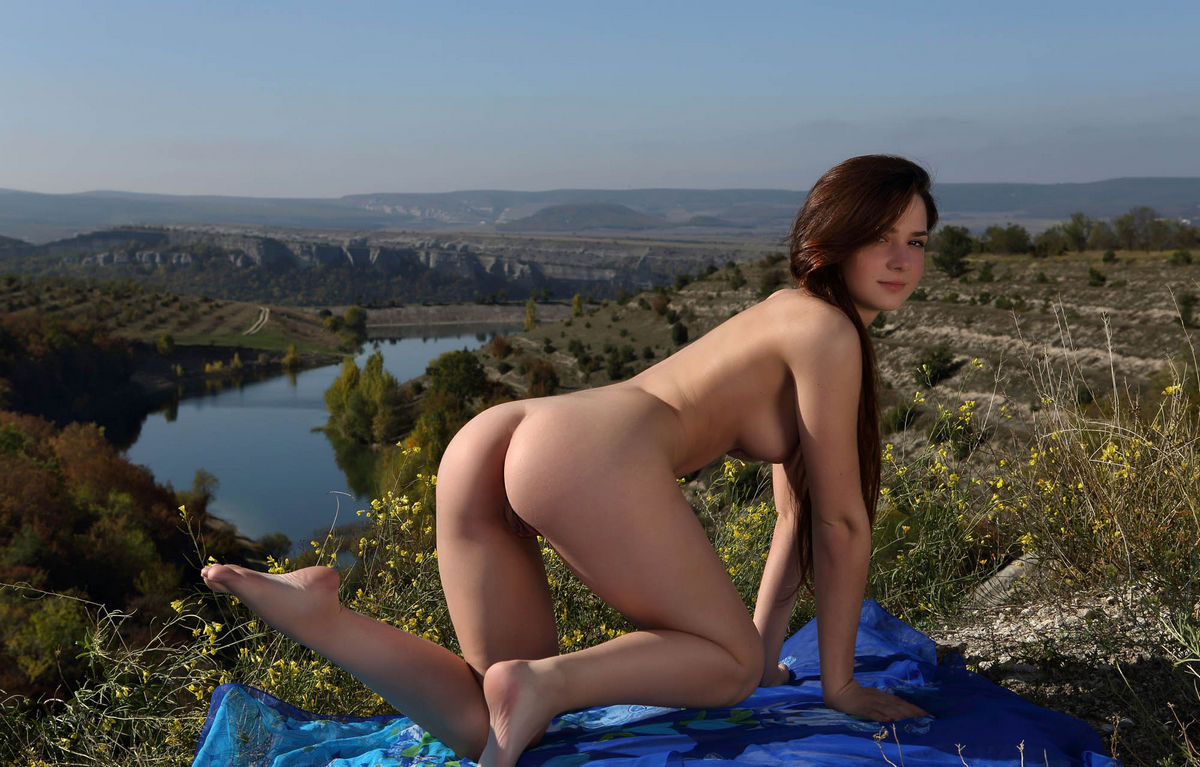 the hills girls nude