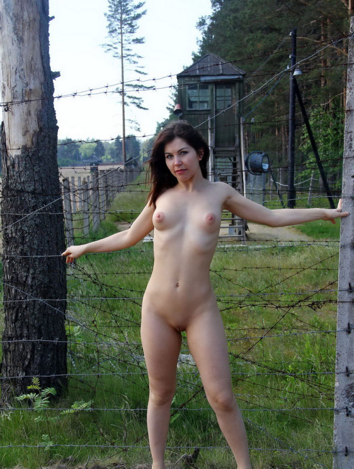 girls Russian nude army
