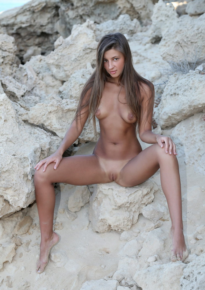 Tanned naked girls