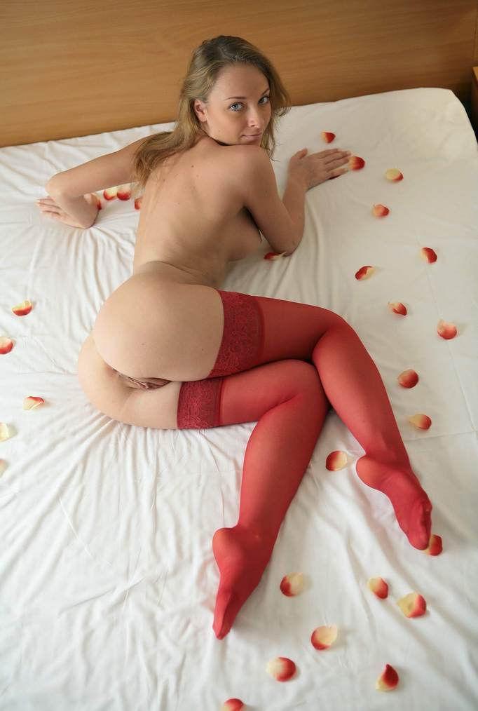 Фото порно красные колготки