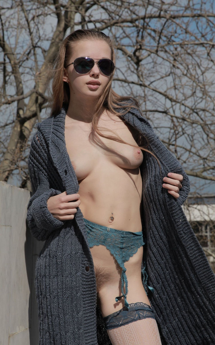 naked russian in sweater pics