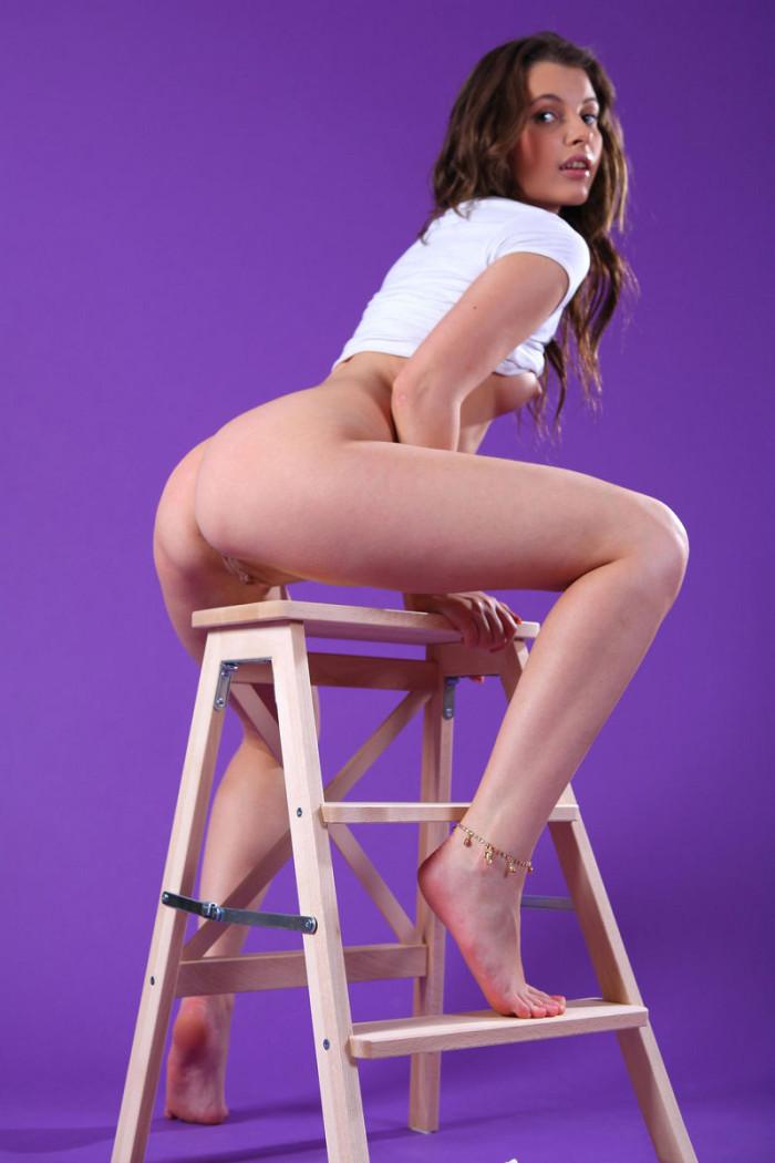 Teen Juliette D On Chair In Purple Room  Russian Sexy Girls-5222