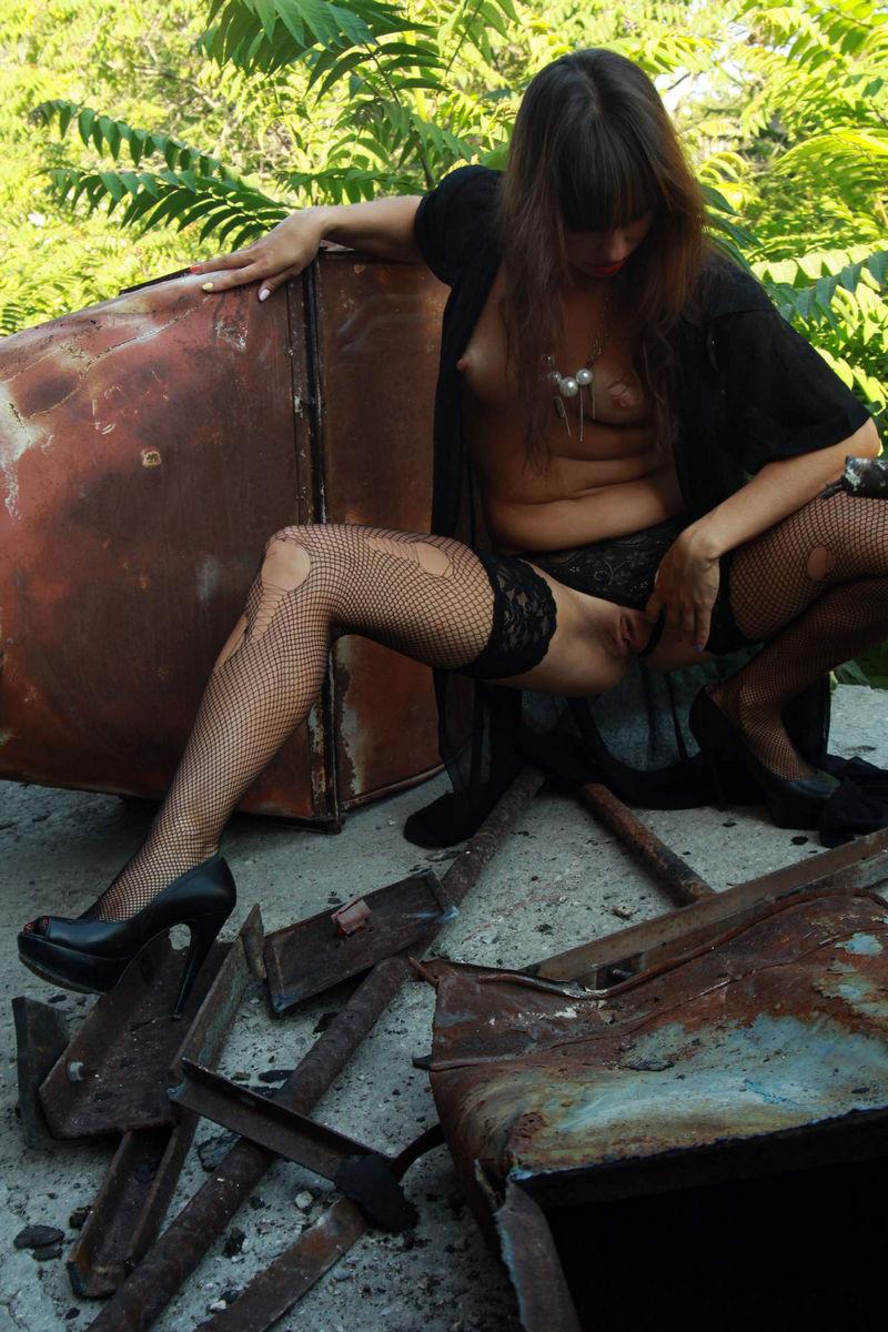 suchka-v-porvannih-chulkah-foto-seks-transseksualov-v-popu