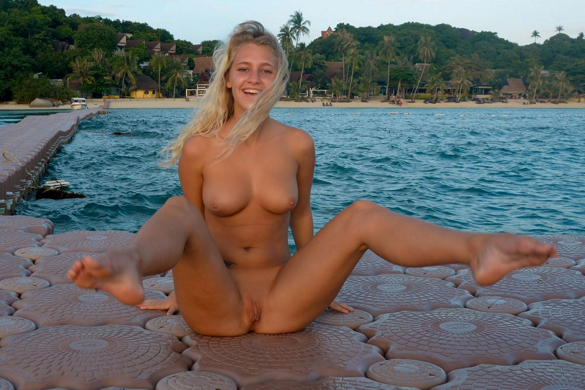 nude on pontoon boat