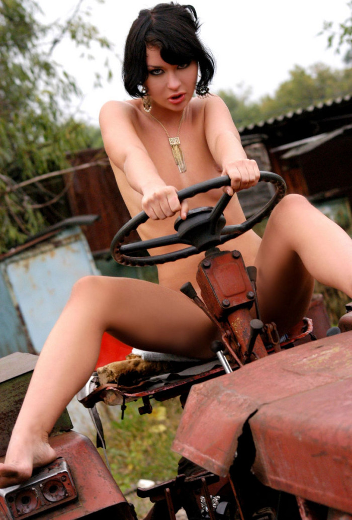 Brunette With Huge Pussy Lips On A Tractor  Russian Sexy -9862
