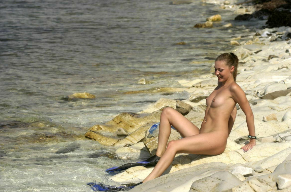 Are mistaken. Topless girls in the beach think, that
