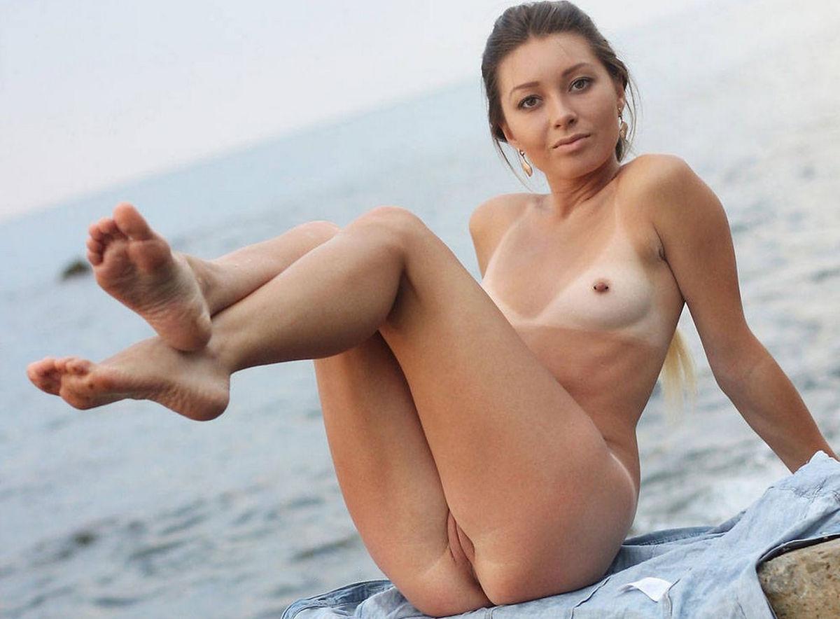 sexy girls pierced nipples