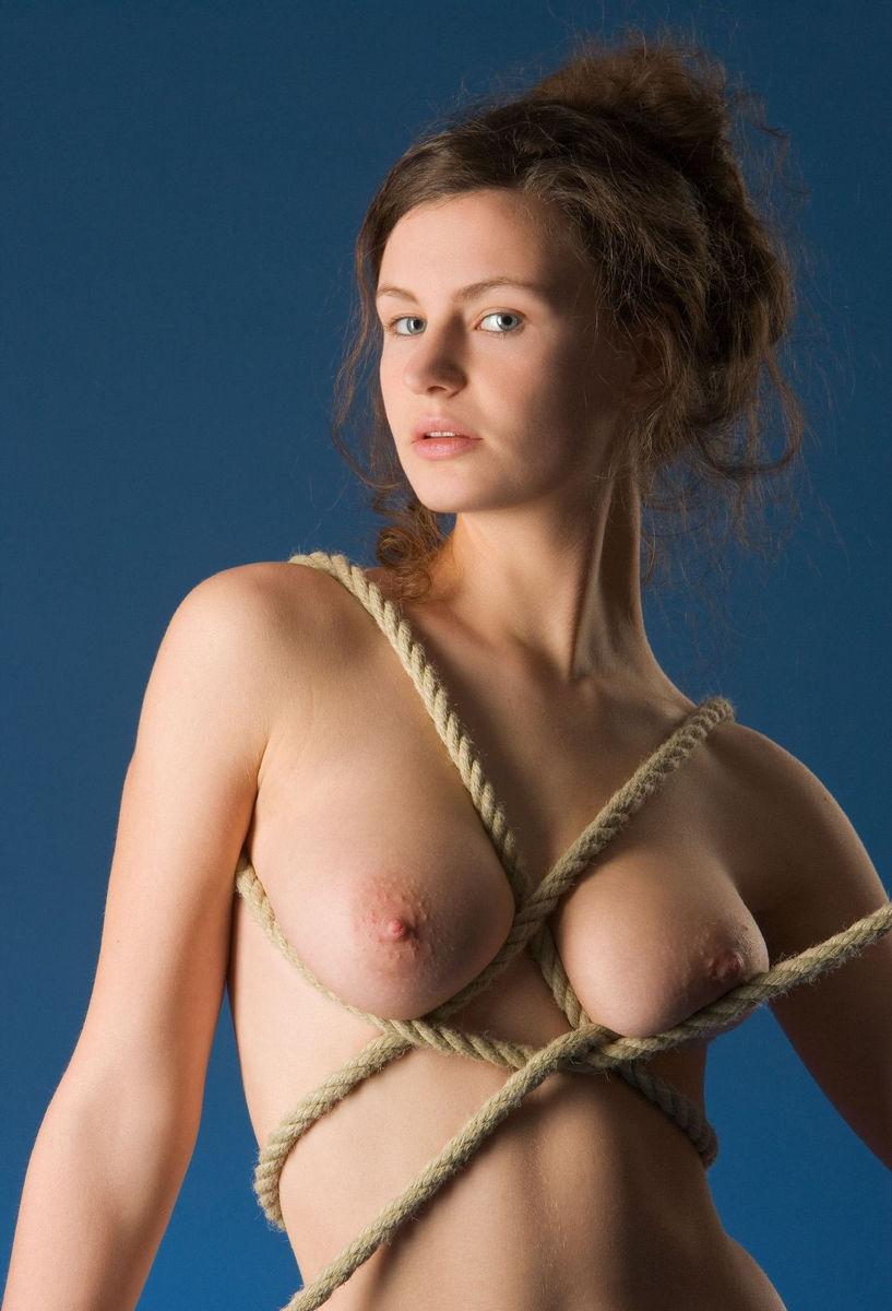 bondage girls pics