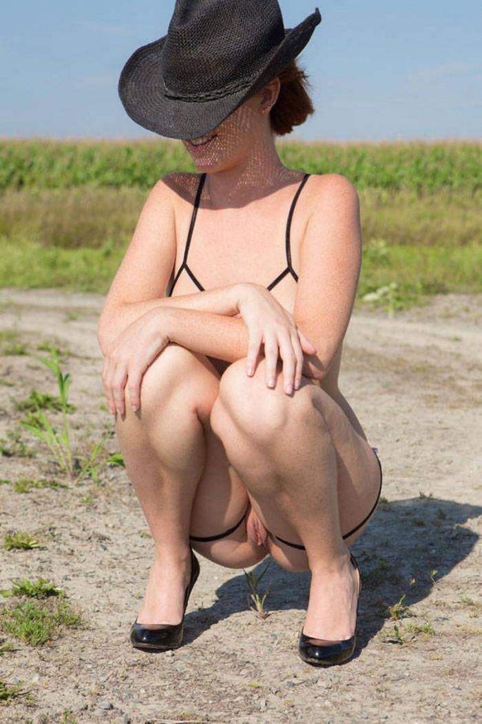 Cleopatra recommend Beach bikini spy