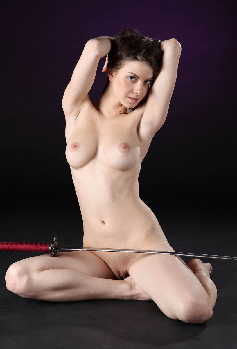 Girl With Ideal Body Posing With Japanese Sword  Russian -4228