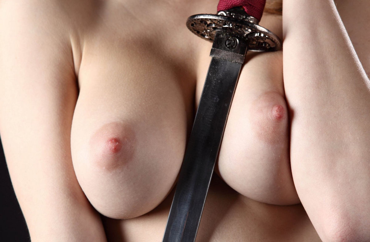 Girl with ideal body posing with japanese sword | Russian ...