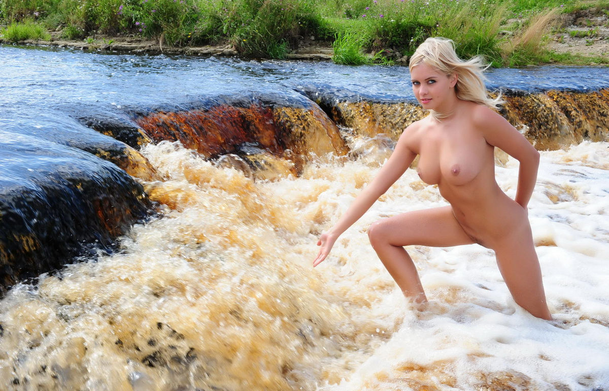 Sexy Teen Paloma B With Soft Boobs Posing In Mountain River  Russian -3899