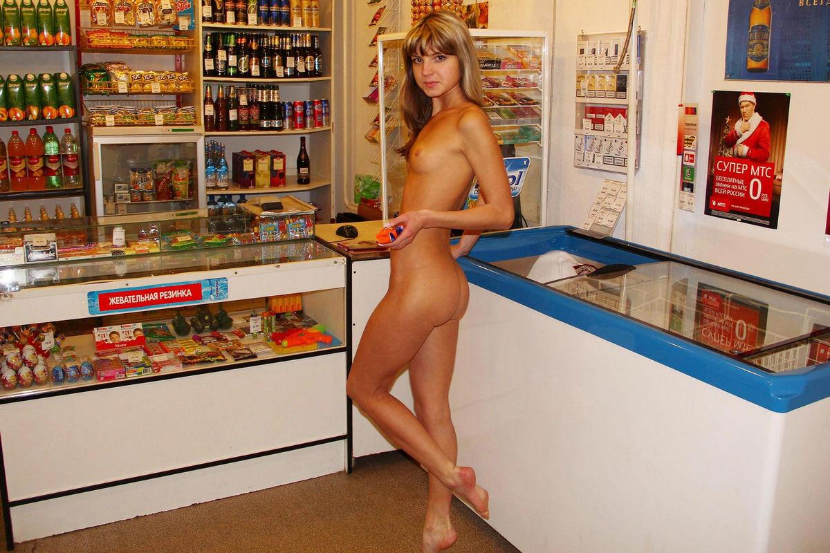 Продавщицу на прилавке в попу смотреть онлайн, мастурбация оргазм кричать