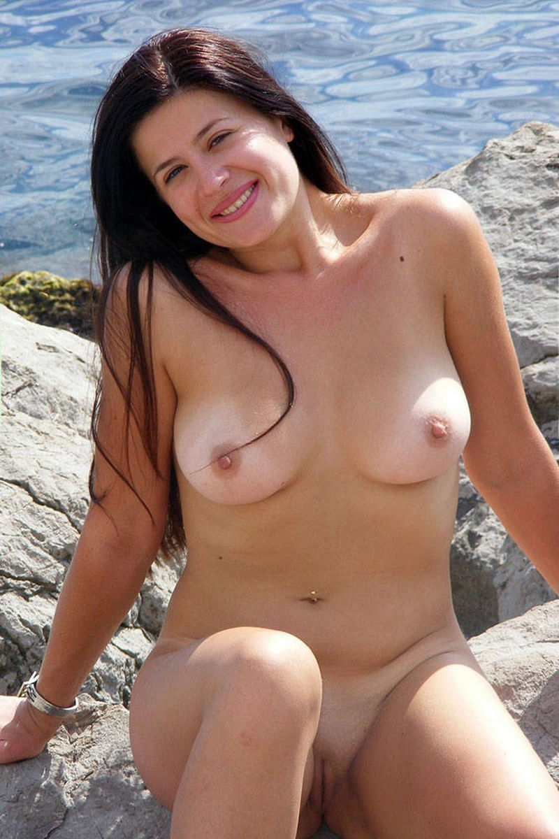 Amateur Brunette Milf Flashes Her Goods At Various Places -6616