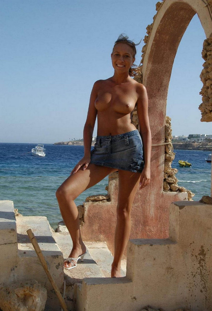 Monika L Posing Naked On Vacation In Egypt  Russian Sexy -7367