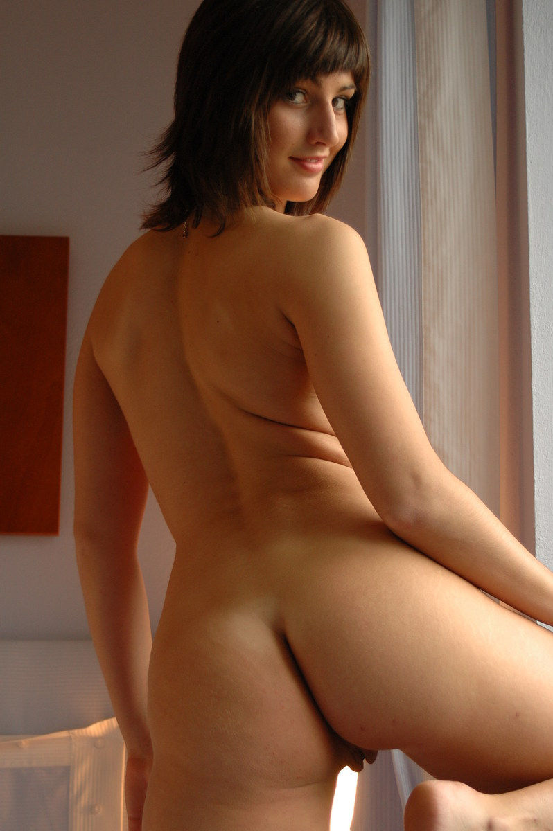 Beautiful young naked girls masterbating