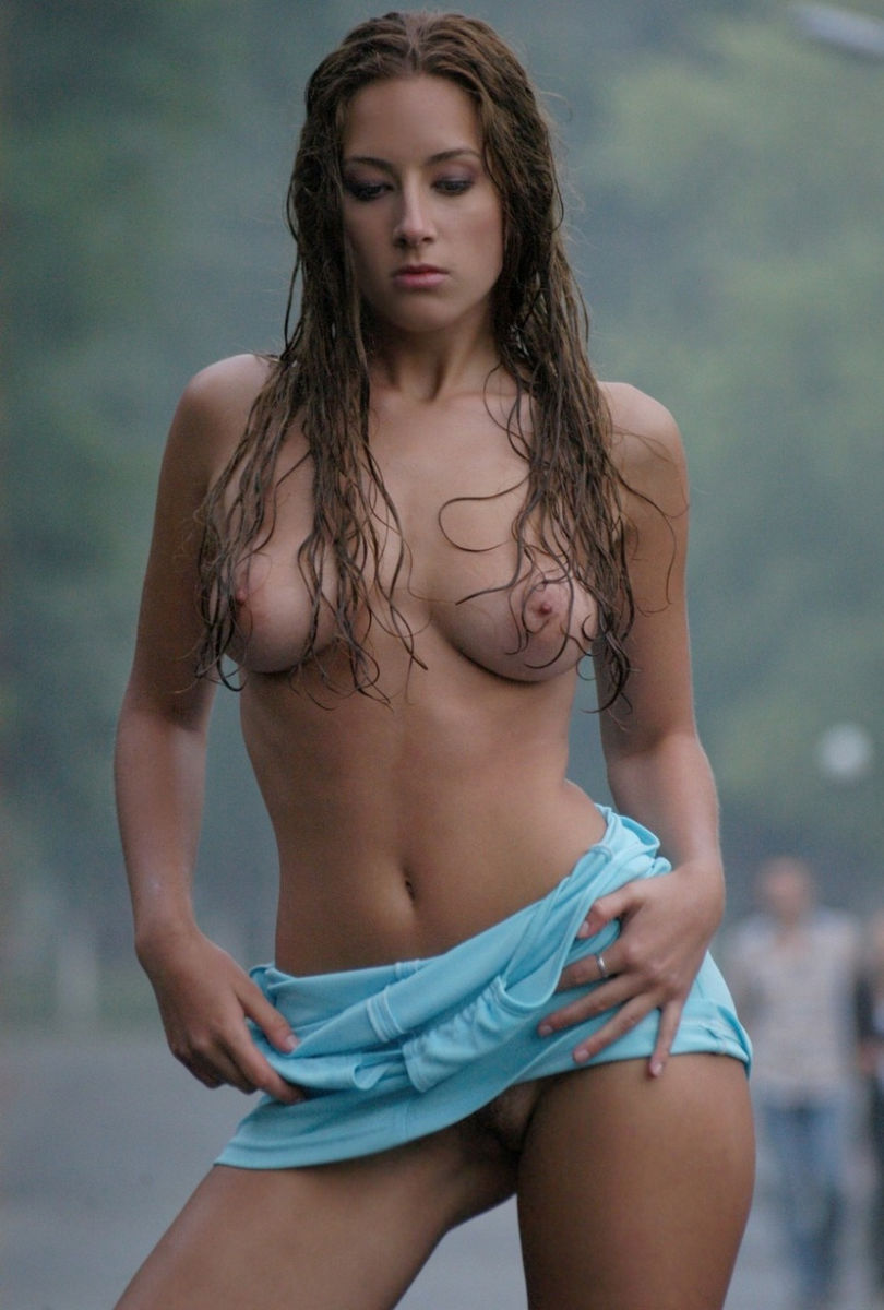 Gorgeous Russian Girl Undressing In The Street In The Rain -5383