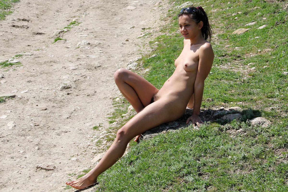 Hairy Teen Sima A Posing Naked On Horse Trail  Russian -8139