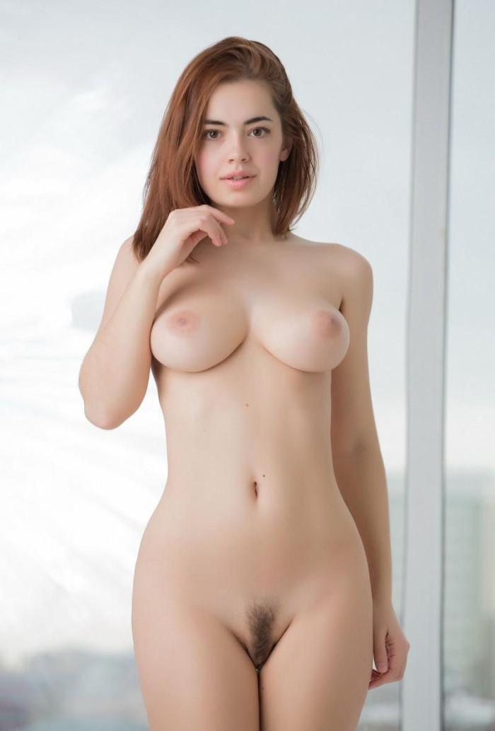free nude busty women